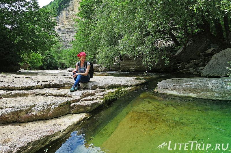 Грузия. Водопады Кинчха. Озерца с прозрачной водой.