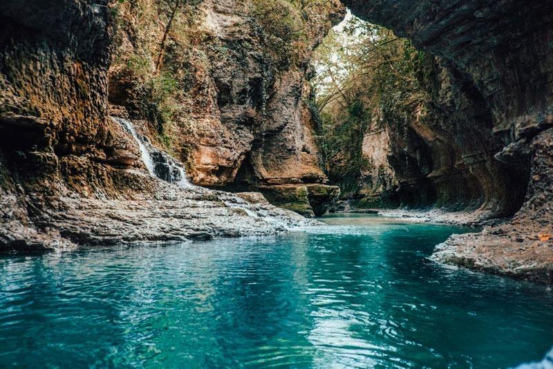 Грузия. Окрестности Кутаиси. Мартвильские каньоны.