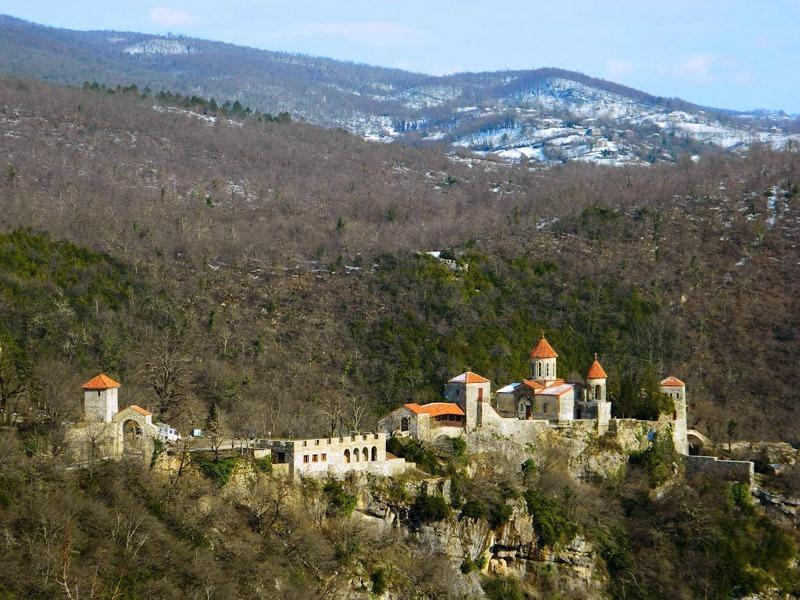 Грузия. Окрестности Кутаиси. Монастырь Моцамета