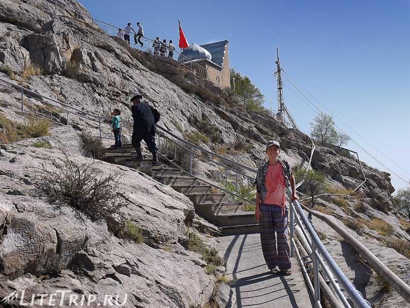 Киргизия. Ош. Гора Сулейман-тоо - подъем.