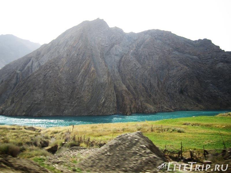 Киргизия. Перевал Тоо Ашуу. Река.