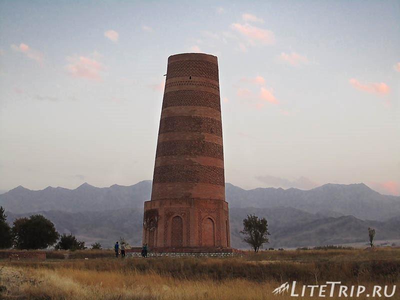 Киргизия. Бурановское городище - башня.