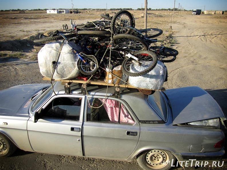 Узбекистан. Местный загруженый транспорт.