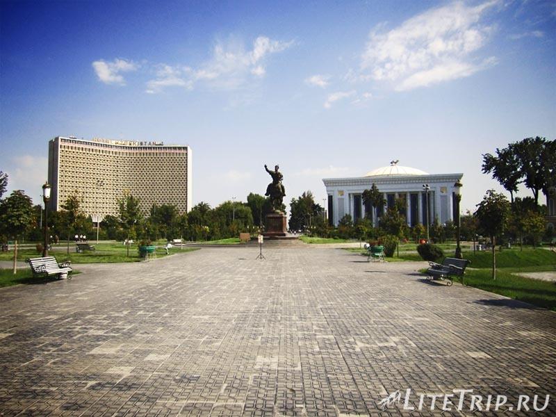 Узбекистан. Ташкент. Сквер Амира Тимура - памятник.