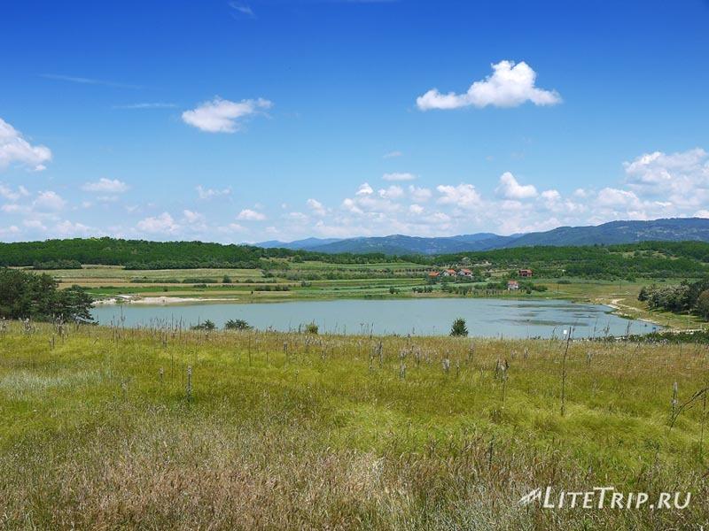 Сербия. Озеро в 6км от Вранье.