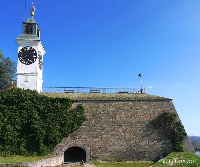 Сербия. Петроварадинская крепость - башня.
