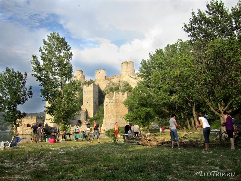 Сербия. Голубацкая крепость - подготовка к вечеру.