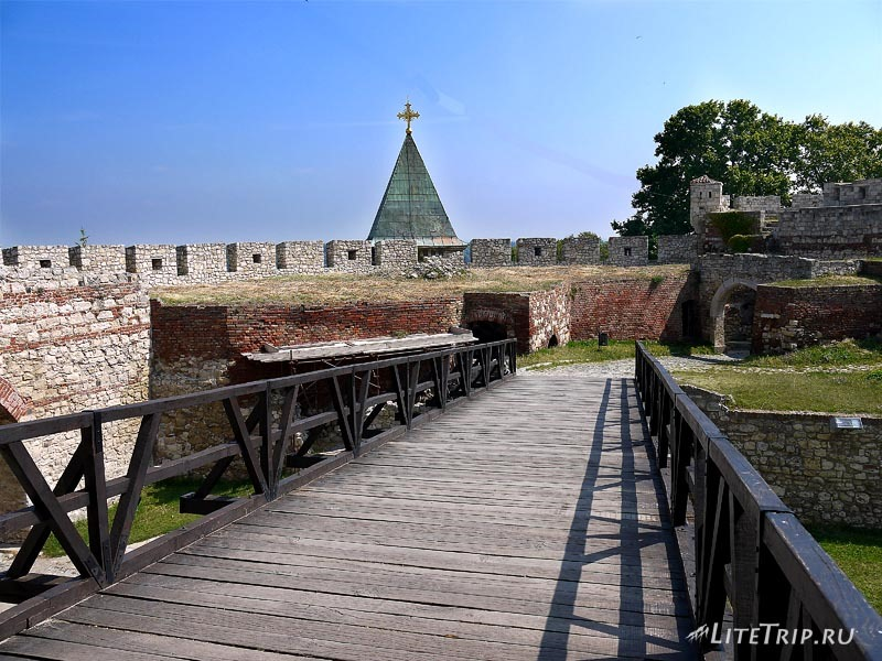 Сербия. Крепость Калемагдан - вход.