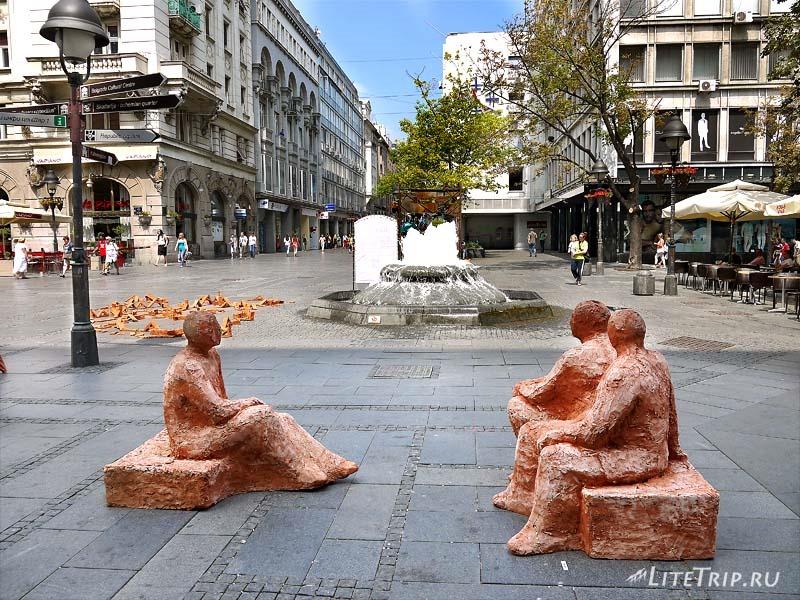 Сербия. Глиняные скульптуры в Белграде.