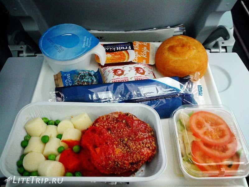 Еда в самолете FinnAir.