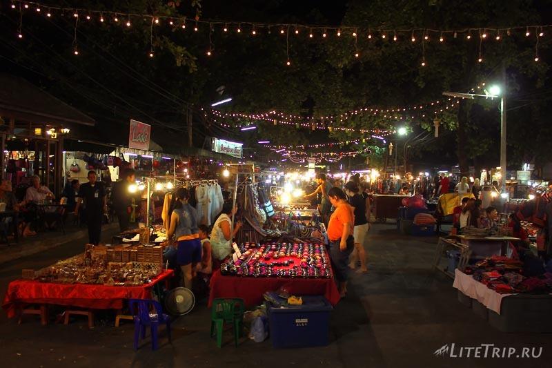 Ночной рынок в Чианг Мае.