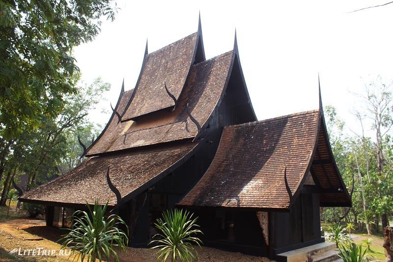 Черный храм (дом) в Чианг Рае.