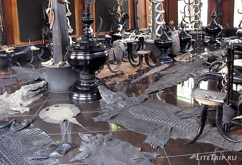 Черный храм (дом) в Чианг Рае. Запретный зал.