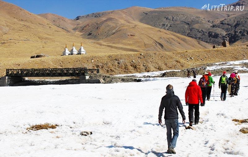 Тибет. Величественный монастырь Гьяндрак. Мост