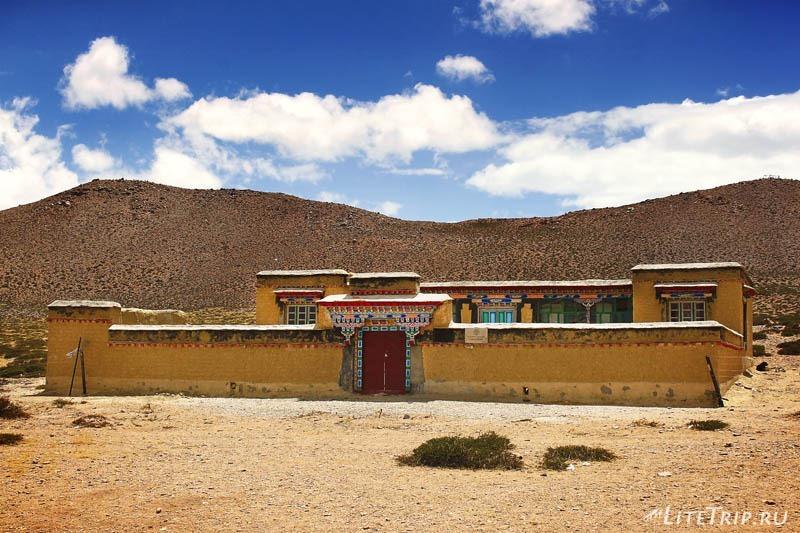 Тибет. Гестхаус рядом с озерами Манасаровар и Ракшас-тал.