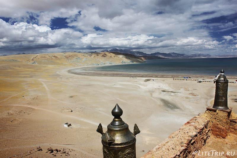 Тибет. Вид с крыши монастыря Чиу Гомпа.