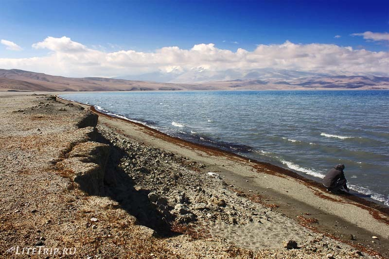 Тибет. Берег озера Ракшас-тал.