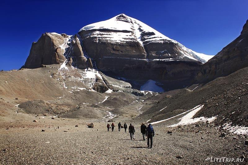 Тибет. Внутренняя кора - южное лицо Кайласа.
