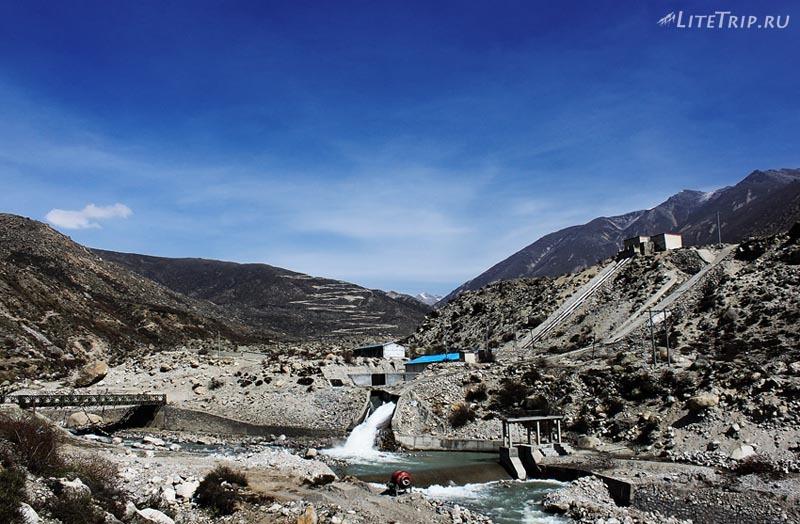 Тибет - Ньялам. Общий вид.