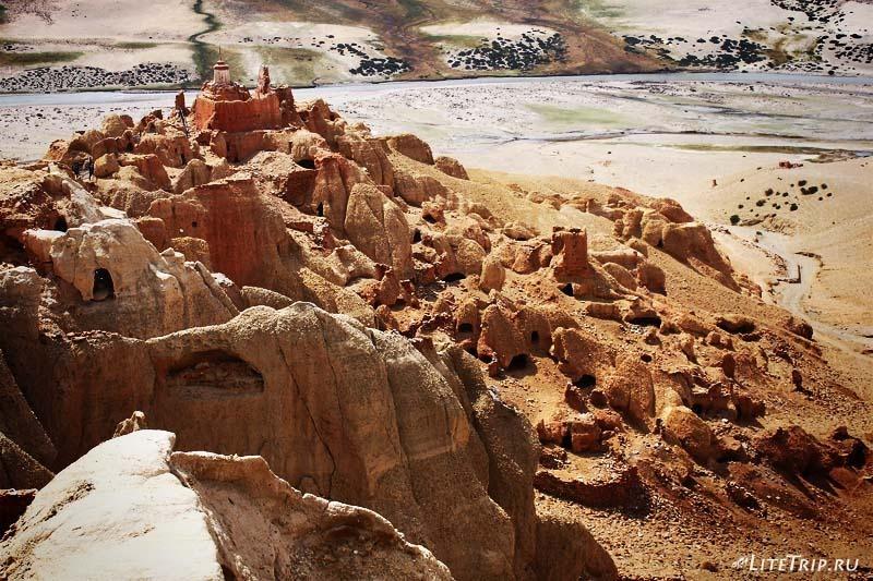 Тибет. Долина Гаруды - серебряный королевский дворец.