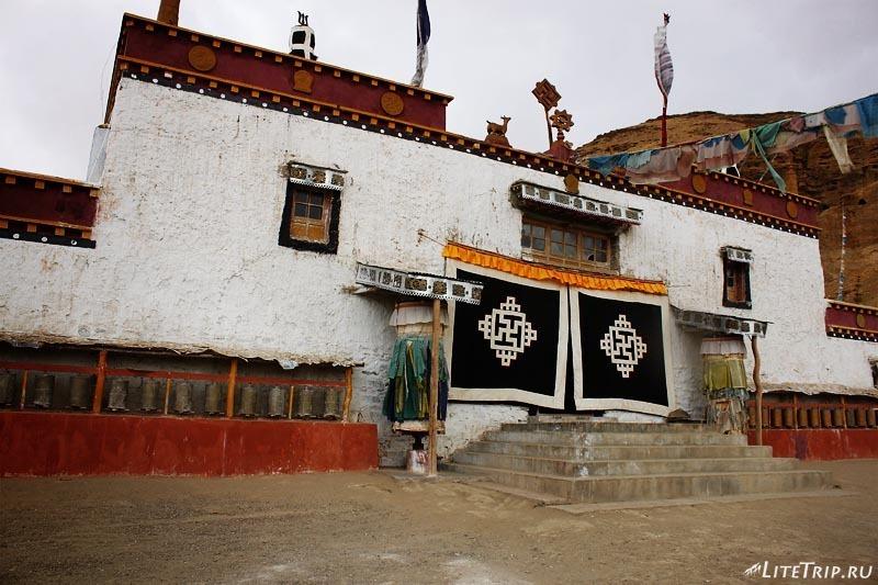 Тибет. Долина Гаруды - монастырь Гургьям (Бон).