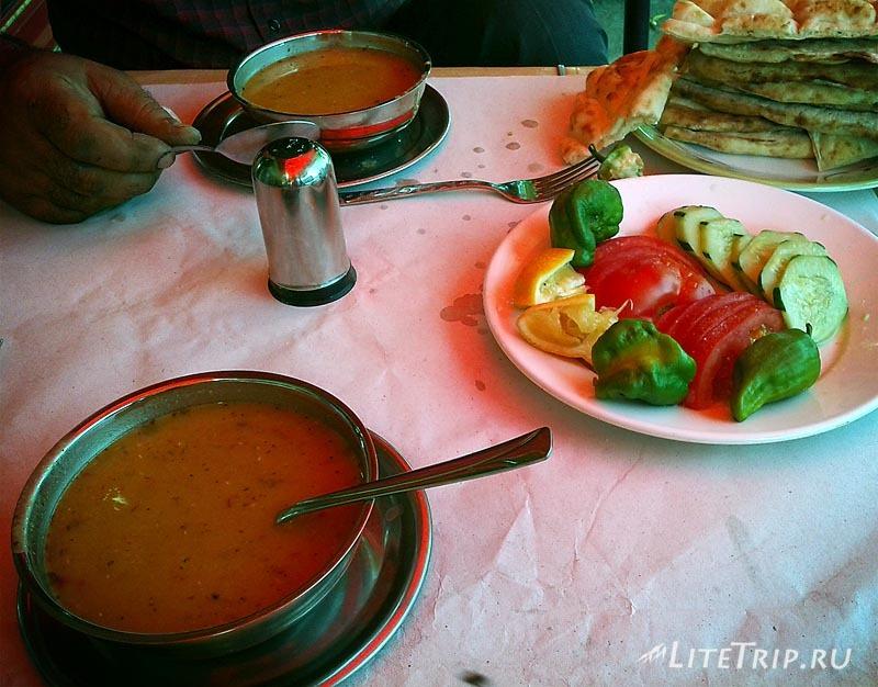 Турецкий суп с горохом - шурпа.