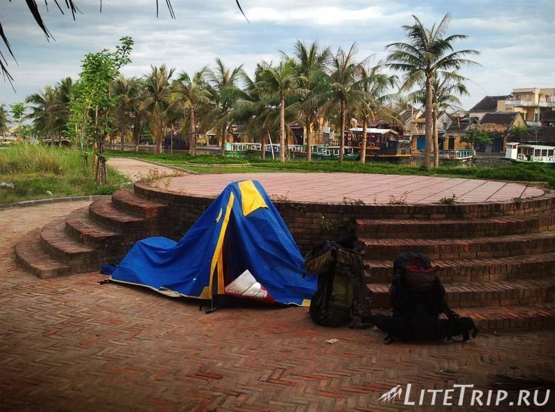 Где безопасно поставить палатку в парках.